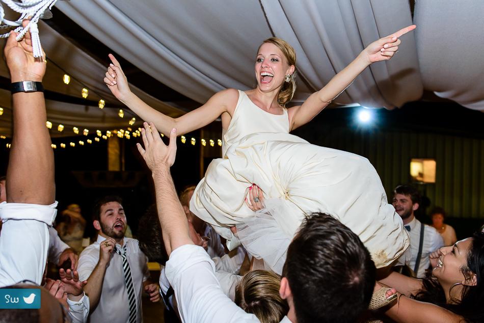bride toss by austin wedding photographer