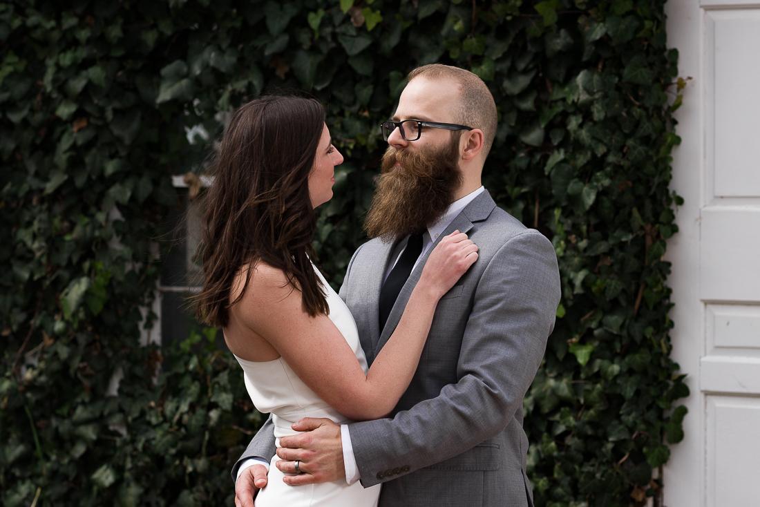 texas-barr-mansion-groom-bride-ivy-wall-Austin-wedding-photographers